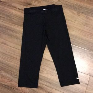 Women's Nike Cropped Leggings